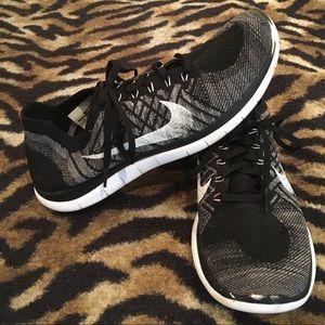 Nike Free 4.0 Flyknit Black White Size 12